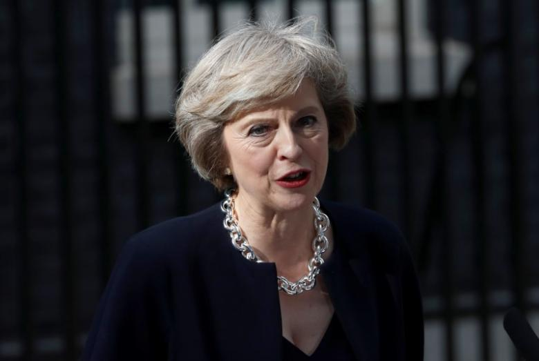 May Holds Cabinet Meeting to Hear Views on Brexit, Rules Out Second EU Referendum