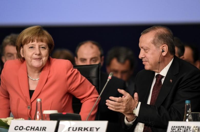 """Germany Tries to Reconcile with Turkey after Extremist """"Hub"""" Accusations"""
