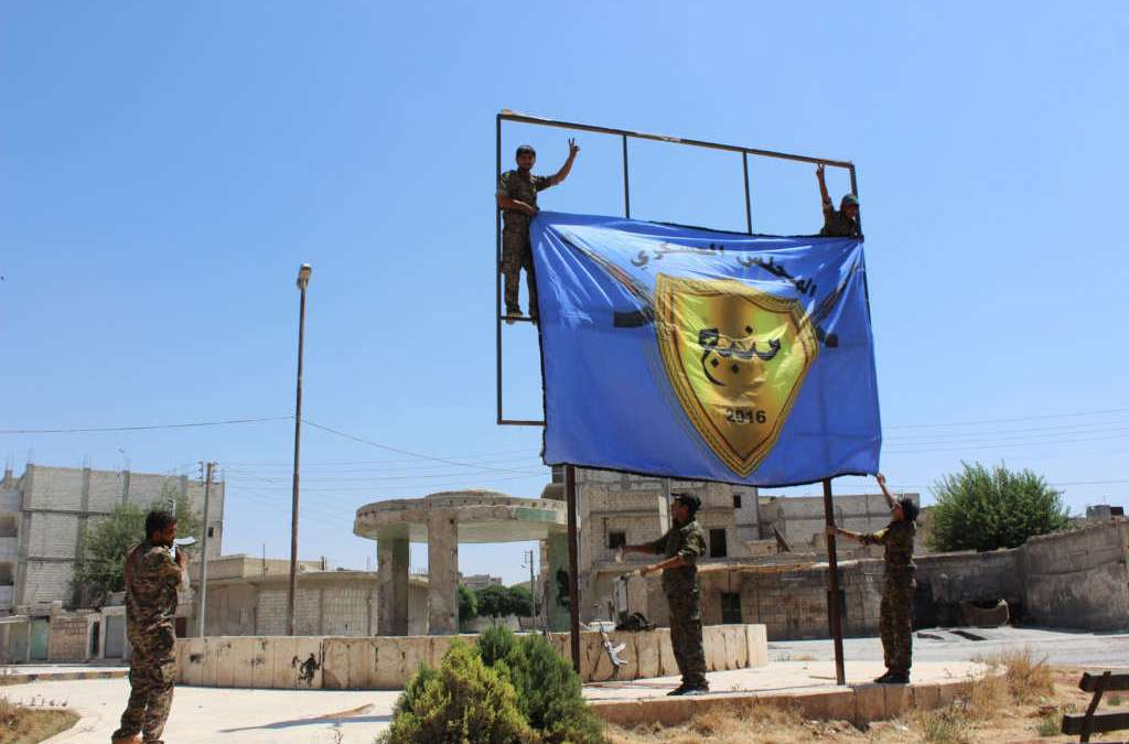 U.S. Official: Convoy of ISIS Militants Allowed to Leave Manbij