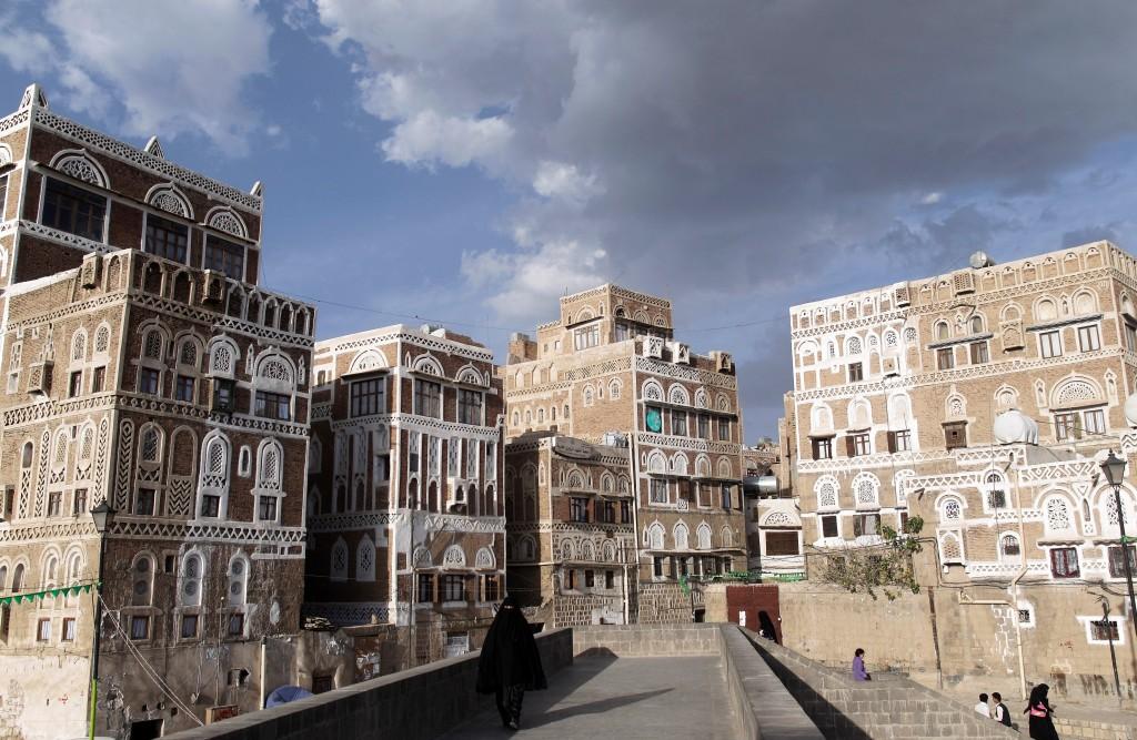Asharq Al-Awsat Visits Damaged Historic Landmarks in South Yemen