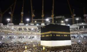 Muslim pilgrims circle counterclockwise Islam's holiest shrine, the Kaaba, at the Grand Mosque in the Saudi holy city of Mecca, late on September 20, 2015. The annual hajj pilgrimage begins on September 22, and more than a million faithful have already flocked to Saudi Arabia in preparation for what will for many be the highlight of their spiritual lives. AFP PHOTO / MOHAMMED AL-SHAIKH