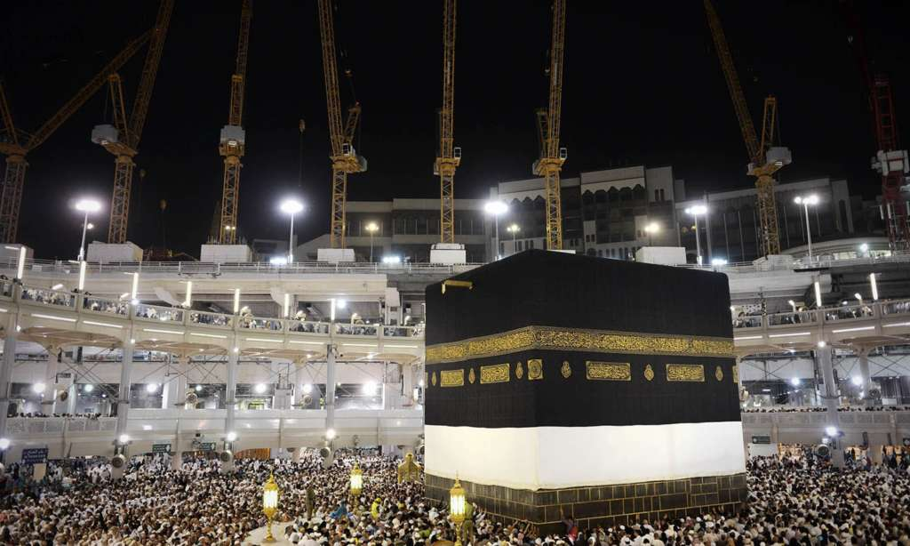 Governor of Makkah: We will not Allow Politicization of Hajj