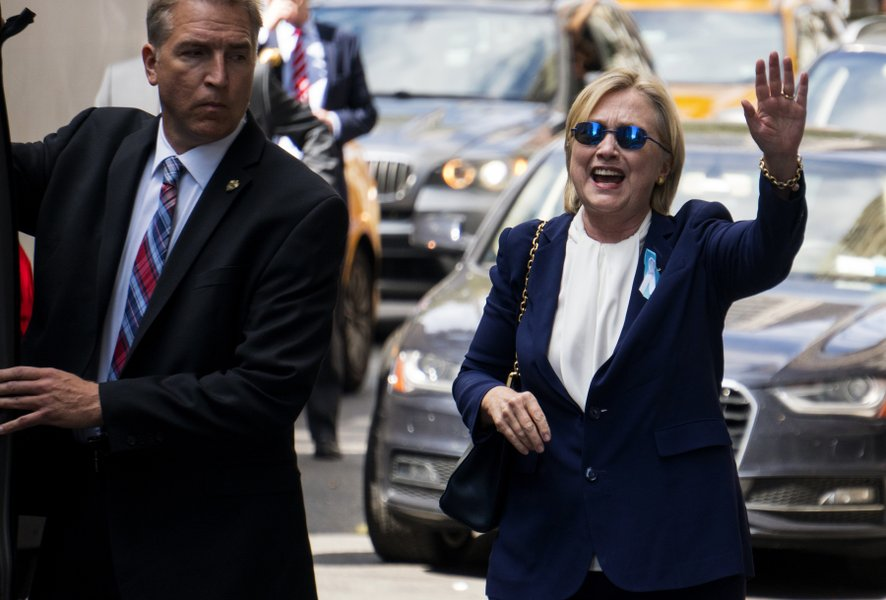 Clinton should Stop Pretending she's not Elite