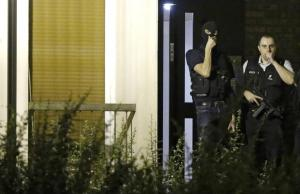 French police investigate an apartment in a residential building, during a police raid in Boussy-Saint-Antoine near Paris, France, September 8, 2016. REUTERS/Christian Hartmann