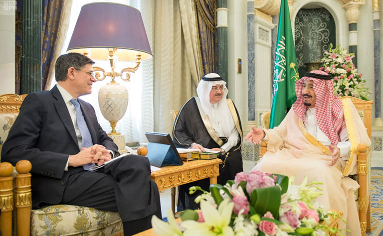 Custodian of the Two Holy Mosques Receives U.S. Secretary of Treasury