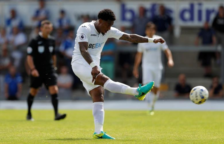 Swansea's Leroy Fer: Dancer, Singer and Football Enthusiast