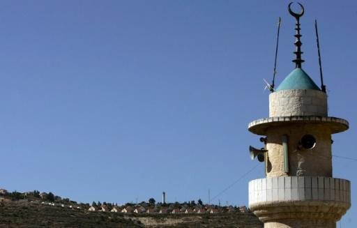 Imams' Mosques will not Apply Israeli Bill to Silence Calls to Prayer