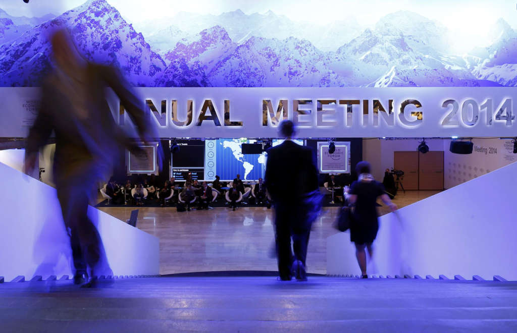 Davos Official: Eight Saudi Ministers to Present Vision 2030