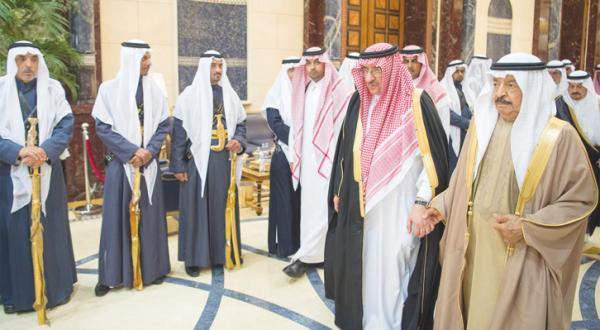 King Salman Reviews Strong Bahraini-Saudi Relations with Bahrain's PM