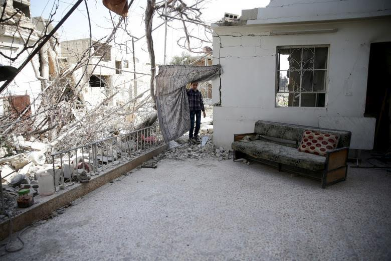 Syrian Regime Empties Two Villages in Damascus Suburbs