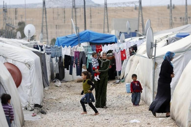 Turkey Considers Makeshift Camp for Aleppo Evacuees in Syria