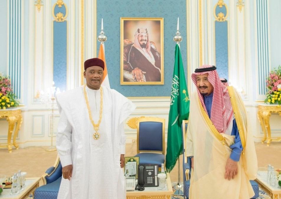 King Salman Receives President of Niger