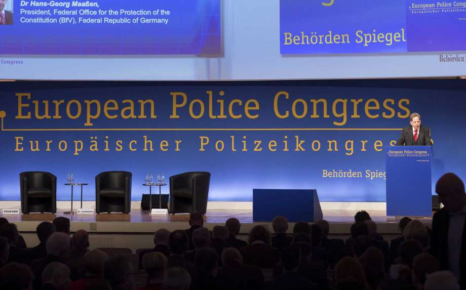 Head of German Security Agency: 'Number of Extremists on the Rise'