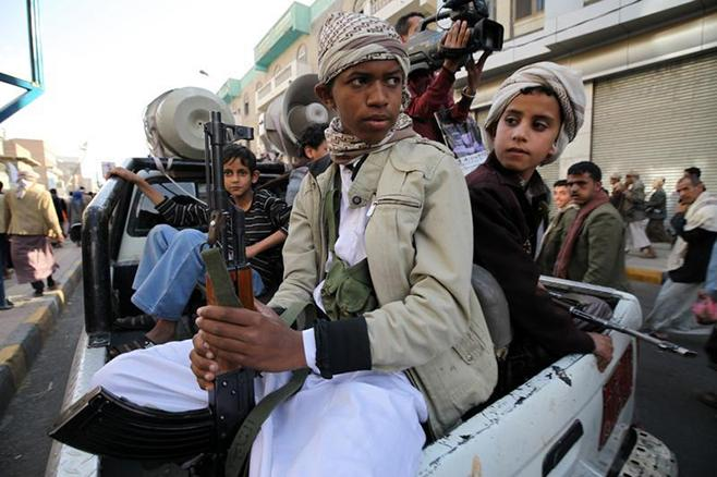 Houthis Indoctrinate Sectarianism into Schools, Kill Saudi Soldier in Cross-Border Attack