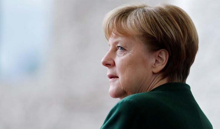 Merkel in Egypt, Tunisia to Reduce Migrant Flows