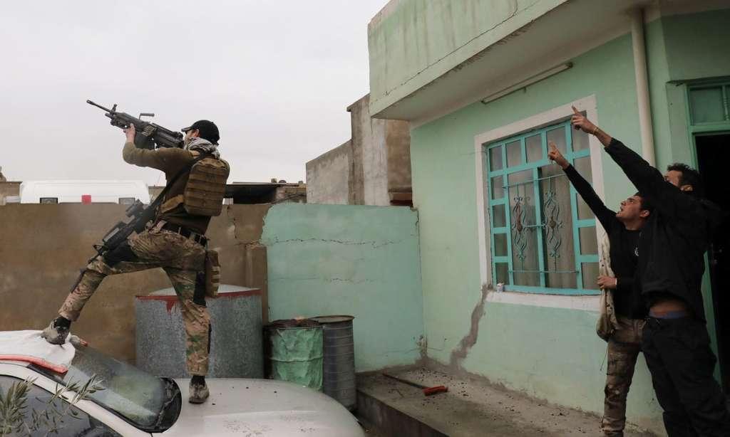 Mosul Battles Turn into 'War of Alleyways'