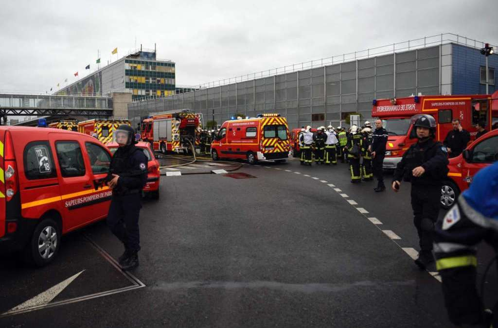 Man Shot Dead in Paris Orly Airport Security Scare