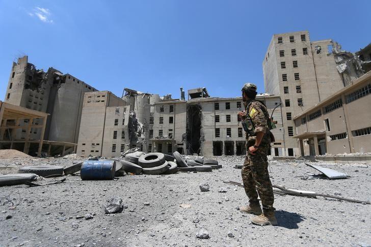 Manbij: Ankara Mobilizes, Washington Moves Forces