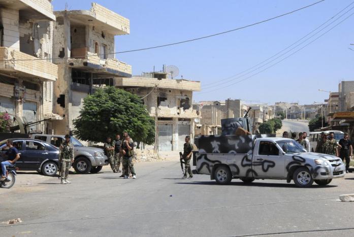 Russia Engages in Hama Battle, Rebel Leader Julani Eyes Regime-Held Airport