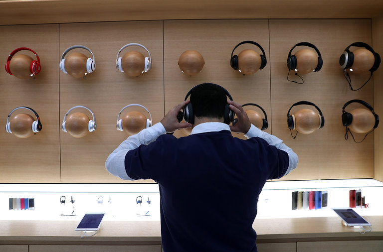 How to Decide Which Headphones to Buy