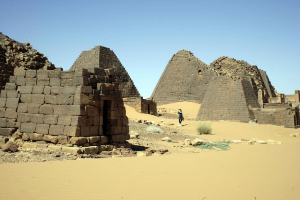 France Returns Sudanese Historic Monument Home