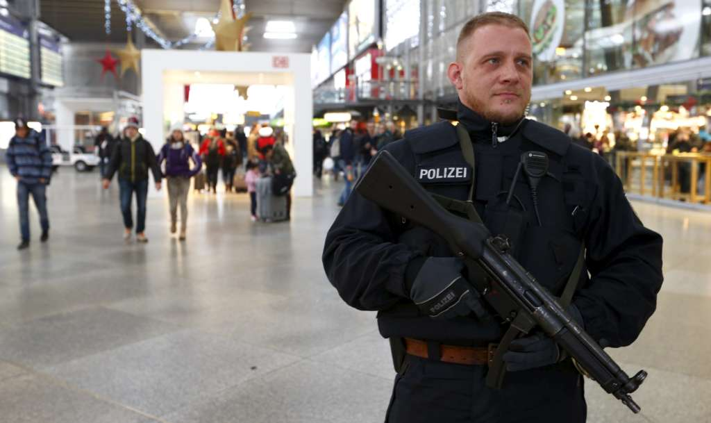 German Court Convicts Syrian Teenager for Planning Terror Attack