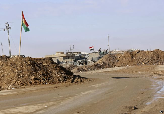ISIS Shoots Down Helicopter in Mosul, Kurds 'Re-energize' Independence Referendum Plan