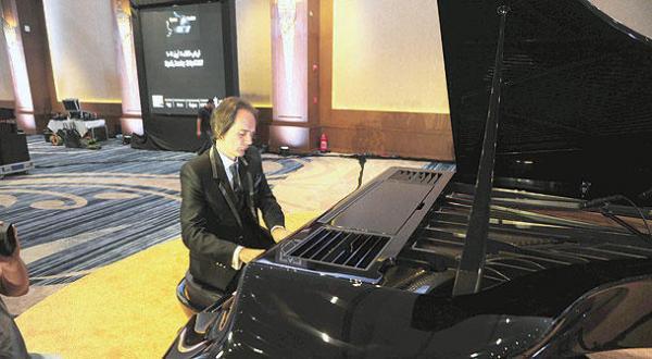 Pianist Boganyi Performs in Riyadh, Jeddah