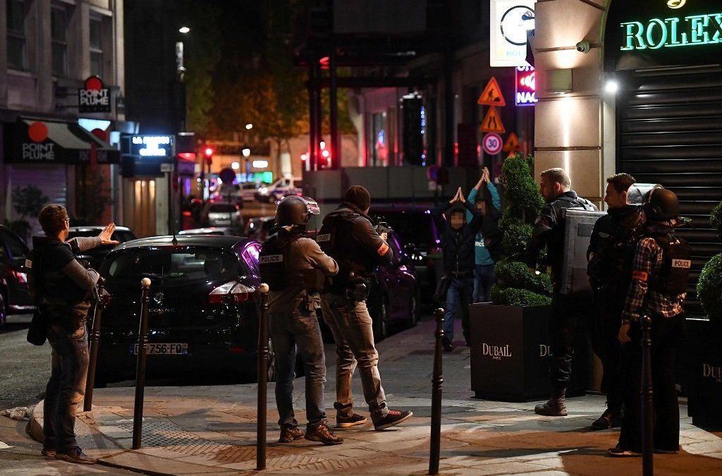 France Mobilized for Presidential Election Security after Policeman Shot in Paris