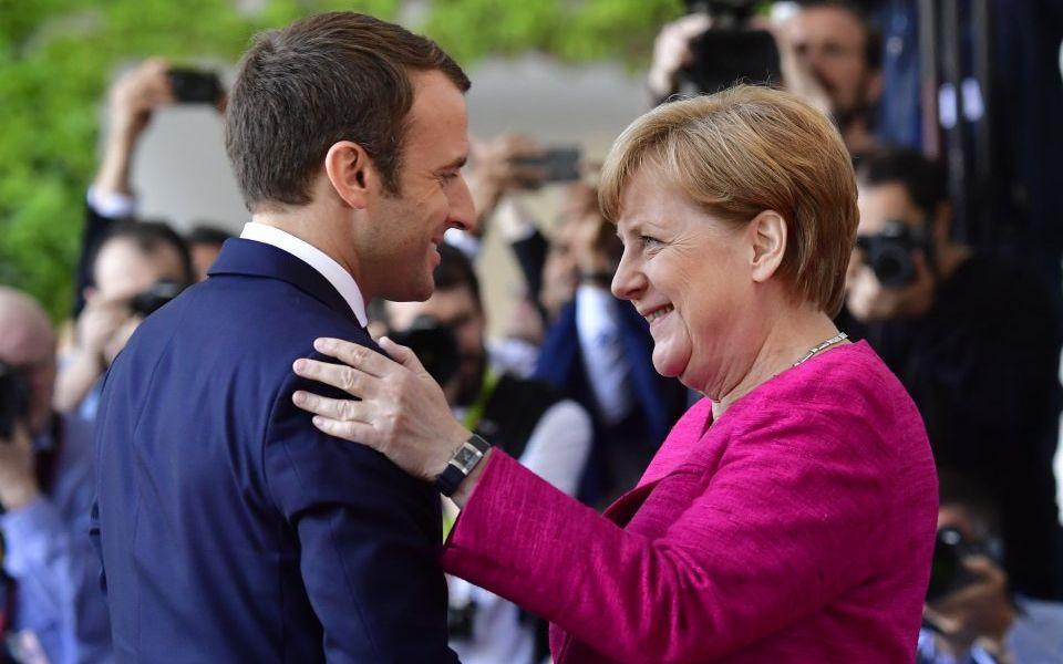 Macron, Merkel Draw up Plan to Save Europe