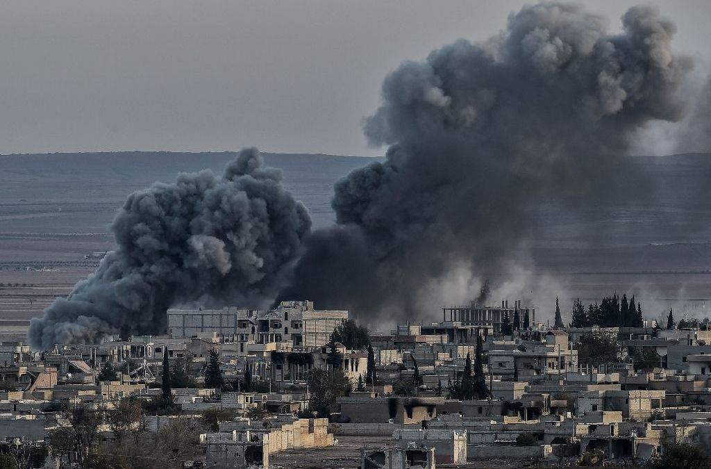 Civilians Flee ISIS-held Syria Cities after Strikes