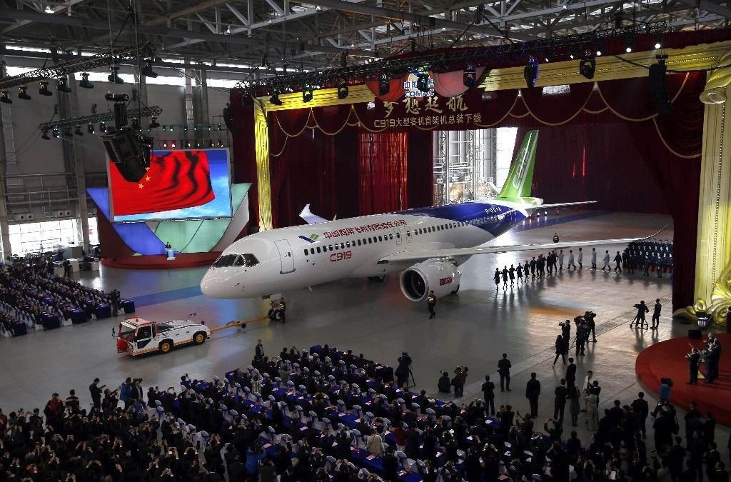 1st Large Made-in-China Passenger Jet takes Off on Maiden Flight