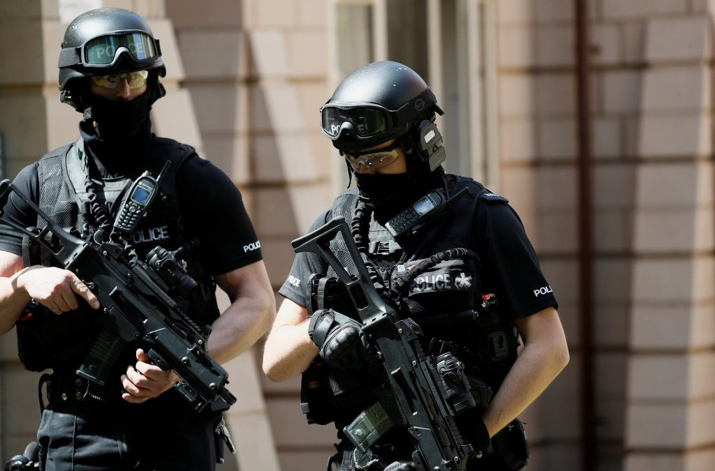 Manchester Bomber 'Likely' Acted with Others, Up to 3,800 Soldiers to Deploy on UK Streets