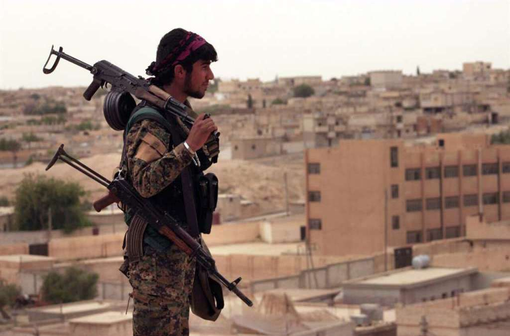 SDF Awaits Weapons, Says Final Push on Raqqa in Early Summer
