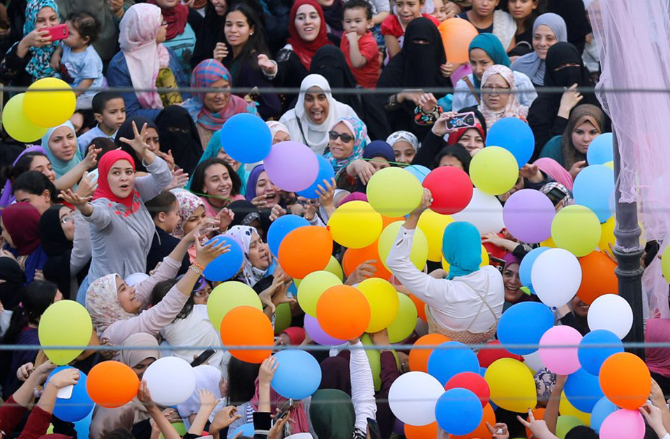 Egyptians Celebrate Eid al-Fitr amid Security Alerts
