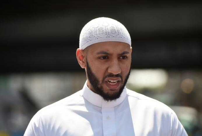 Imam of London Mosque Ramming 'Saves' Attacker from Angry Victims