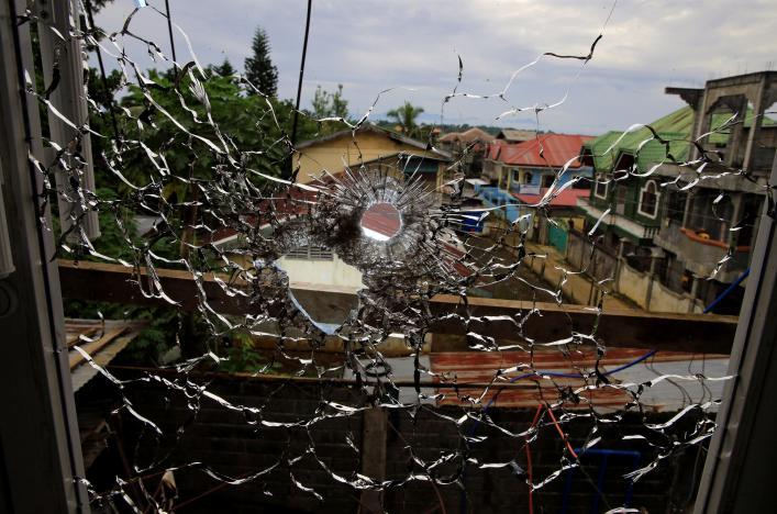 Blasts Rock Besieged Marawi … Philippines Celebrates Independence Day