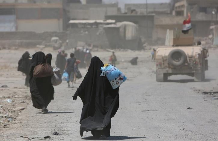 Iraqi Forces Evacuate Hundreds of Civilians amid Clashes in Mosul's Old City