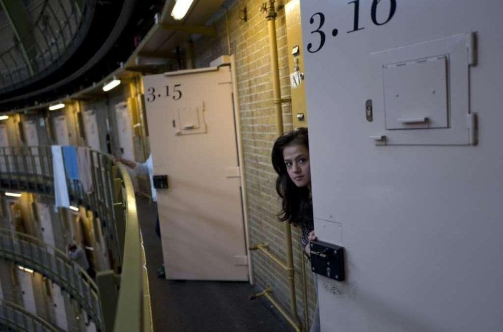 Dutch Prisons Closing due to Lack of Criminals