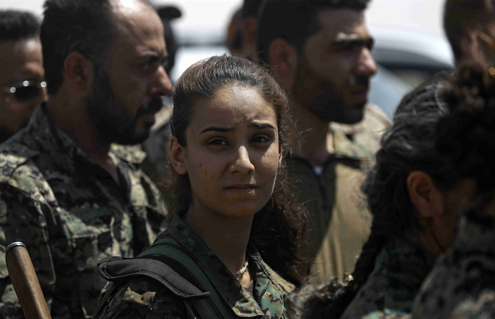 Syria Regime Fighter Jets Target ISIS Near Raqqa City
