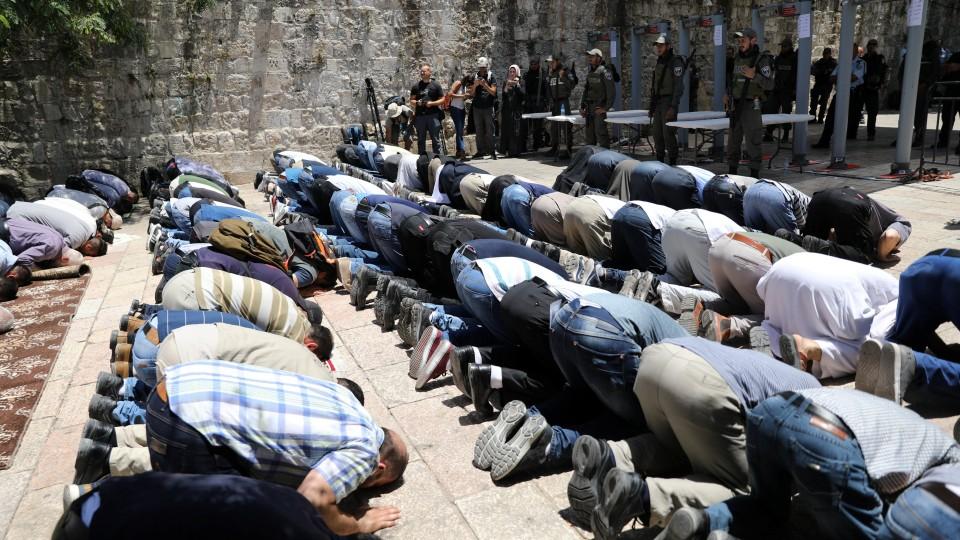Palestinian Sources: Efforts to Re-open Al Aqsa Mosque