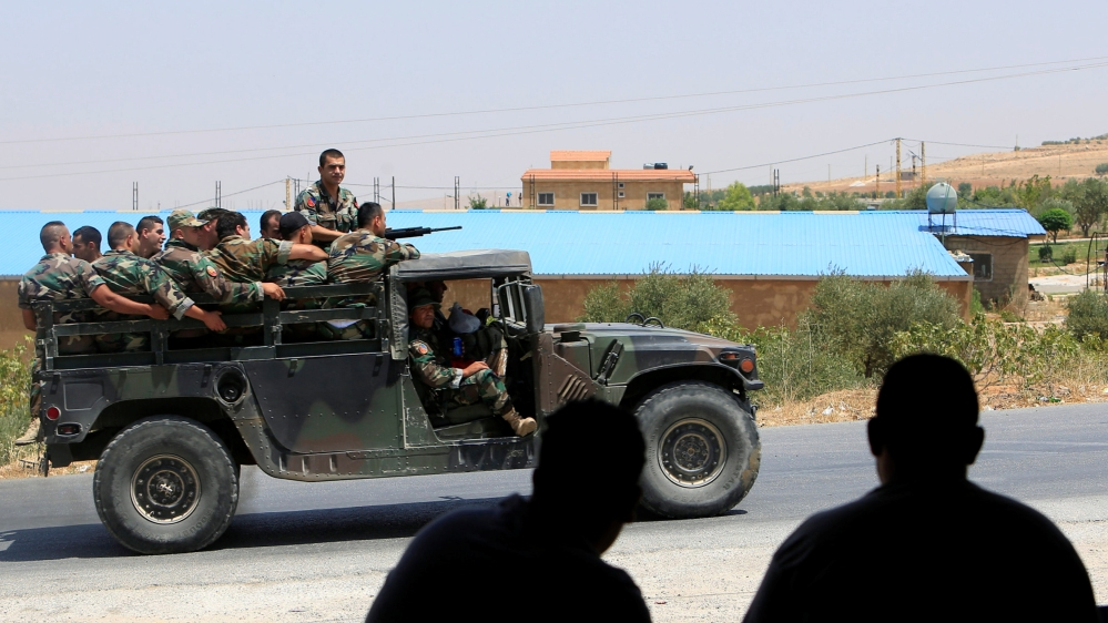 Al-Nusra Uses 3 'Hezbollah' Prisoners to Pressure it to Cease Arsal Operations