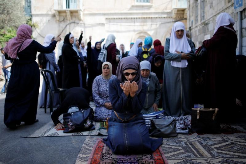 King Salman's Contact with World Leaders Helped Ease Aqsa Mosque Tensions