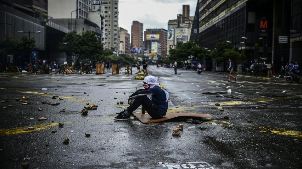 Maduro Presses on with Controversial Venezuela Vote