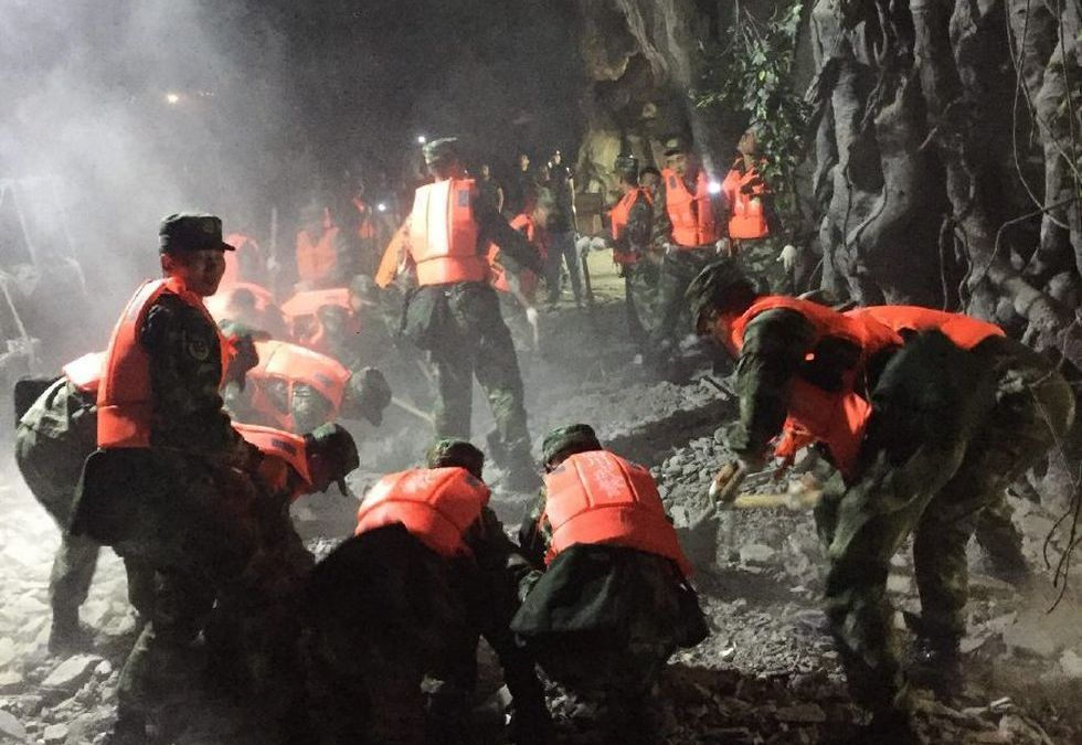 19 Killed in China Quake as Evacuations Get Underway