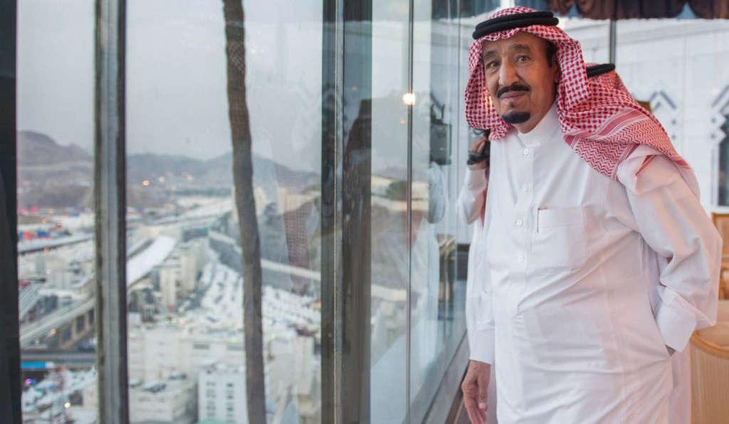 King Salman Oversees Arrangements to Ensure Pilgrims' Comfort