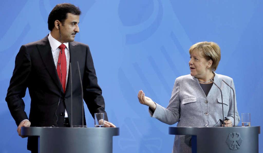 Merkel Calls for Resolving Qatar Crisis Away from Media