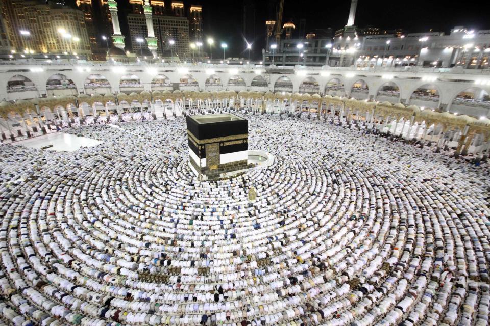 Riyadh Urges Int'l Organizations to Probe Fate of Qatari Citizens Returning from Hajj