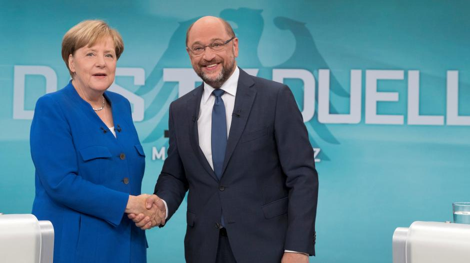 Merkel, Schulz Conclude Electoral Campaign, Polling Stations Open Today
