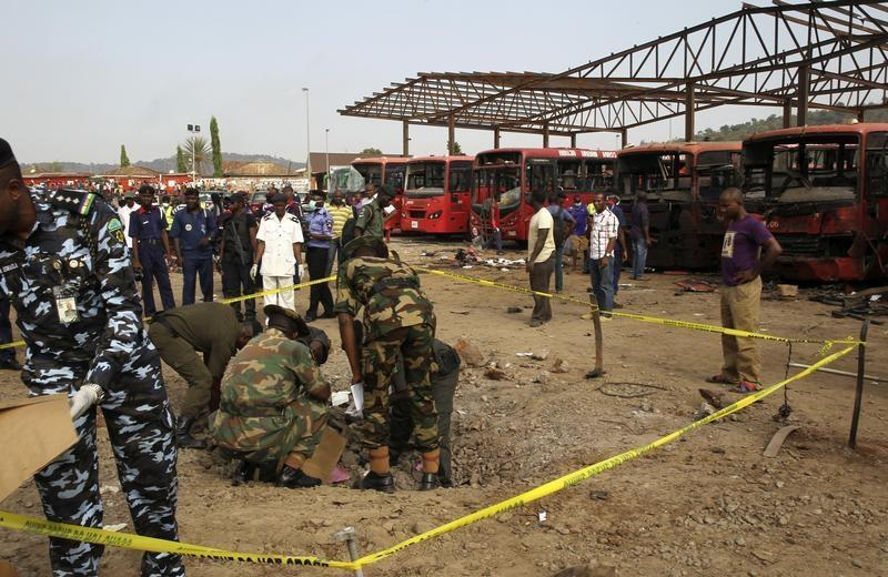 Three Suicide Bombers Kill 12 in Nigeria